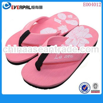 Newest design pink lovely low heeled eva flip flops for young lady slippers