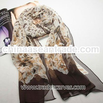 Tradional printed sexy and elegant pure silk different styles scarf